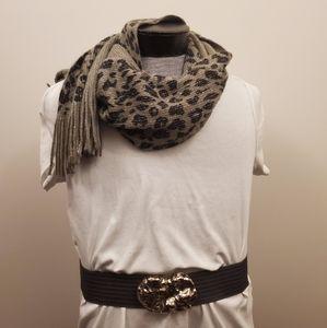 Cejon leapord print scarf silver gray black scarf